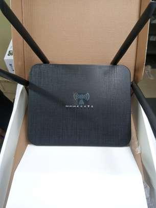 BUY 4G WiFi router black 4 antenna Model: LT210F Faiba 4g-Safaricom, Airtel , Telkom Universal 4G Router image 2