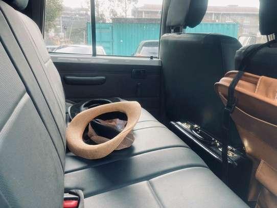 Toyota Land Cruiser image 6