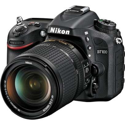 Nikon D7100 Camera Plus AF-S DX 18-140mm f/3.5-5.6G ED VR Kit Black image 3
