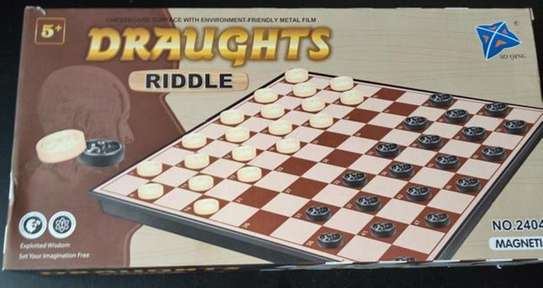 Family Magnetic Draught Riddle Checkers Board Game image 3