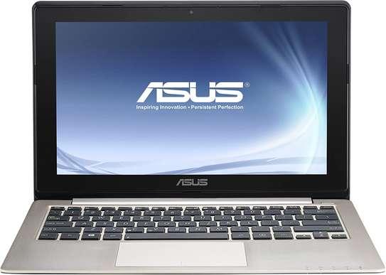 Asus X202E Core i3 4gb Ram /500gb HDD Touchscreen image 1