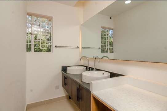 Cozy and adorable guest wing extension 2 bedroom Kileleshwa image 14