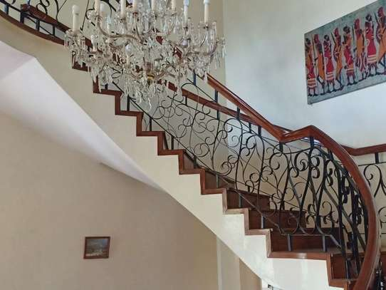 5 bedroom house for rent in Loresho image 16
