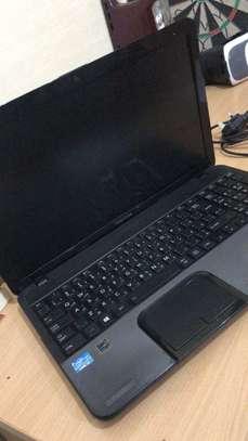 Toshiba Laptop image 2