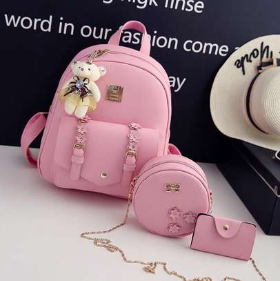 GET FASHIONABLE BAGS image 1