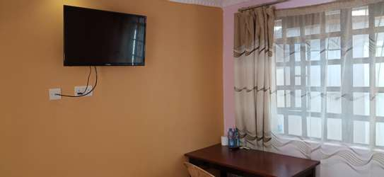 Accommodation available in ruiru BED AND BREAKFAST in kamakis area image 9