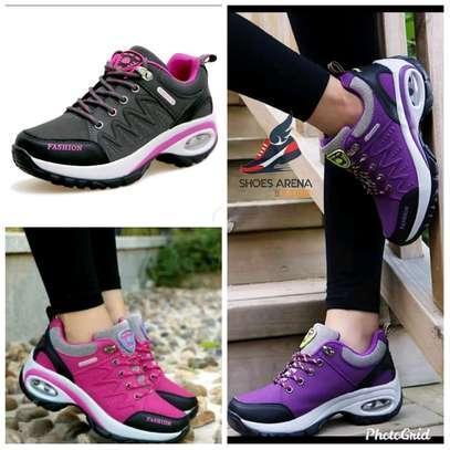 Women Fashionable sneakers image 1