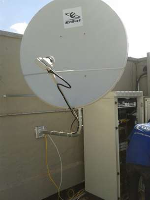 Looking for a DSTV installation /TV mounting/DSTV Repair? image 4