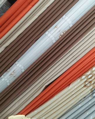 HIGH QUALITY PLAINS CURTAINS  AND SHEERS DIFFERENT COLOUR PER METER FROM 850 TO 1000 image 9