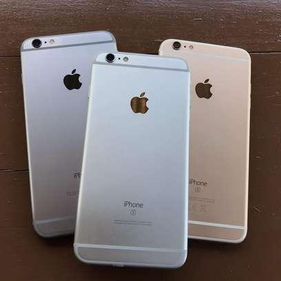 iPhone 6s Plus image 2