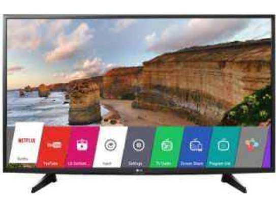 LG 32 inch digital smart tvs image 1