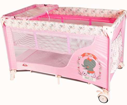 Baby bed / Playpens plus a mattress