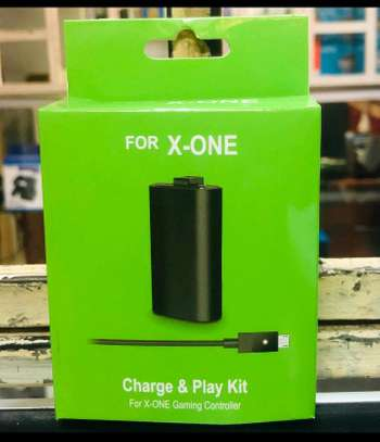 X ONE charge and play kit image 1