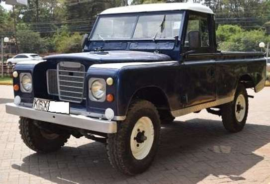 Land Rover 109 image 2