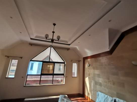 TASTEFULLY DESIGNED 3 BEDROOMED APARTMENT ALL ENSUITE WITH DSQ image 2