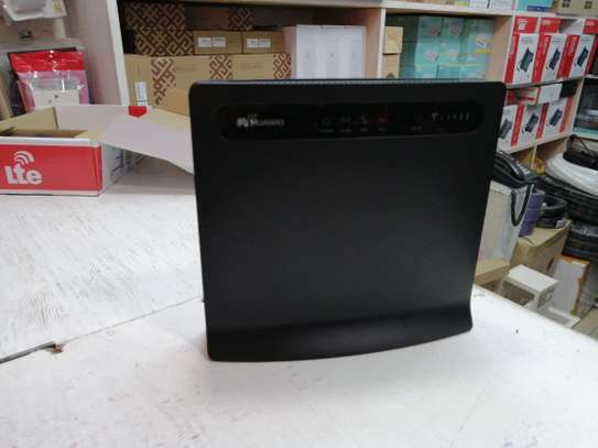 Huawei B593 4G LTE Unlocked WiFi Router image 1