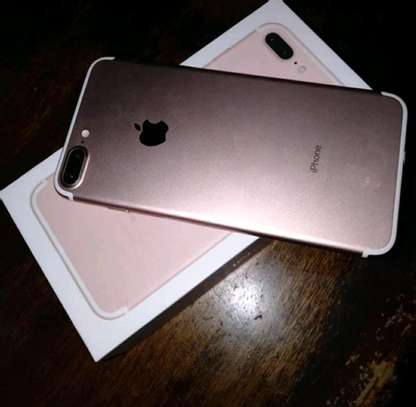 Apple Iphone 7 Plus / 256 Gigabytes / Gold And Wireless Airpods image 1