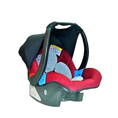 Carry Cot/ Car Seat with A Sun Shade