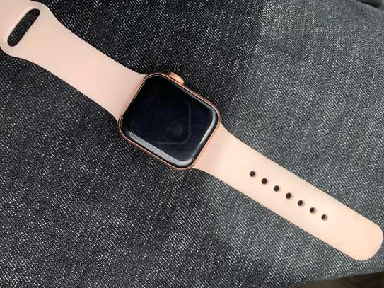 Apple Watch series 4 image 1