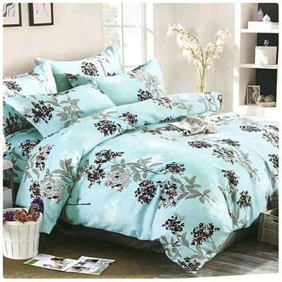 COTTON DUVETS WITH 1 BEDSHEET AND 2 PILLOW CASES image 1