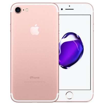 Apple iPhone 7 image 1