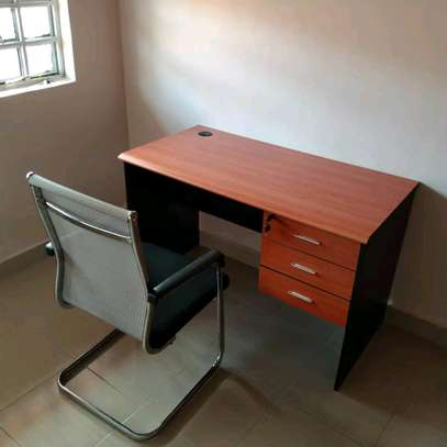 Executive office/study desks with a chair image 1