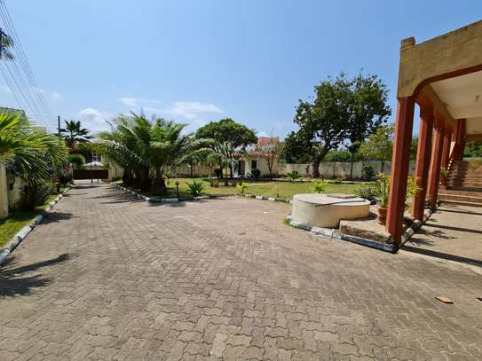 4 bedroom house for rent in Nyali Area image 6