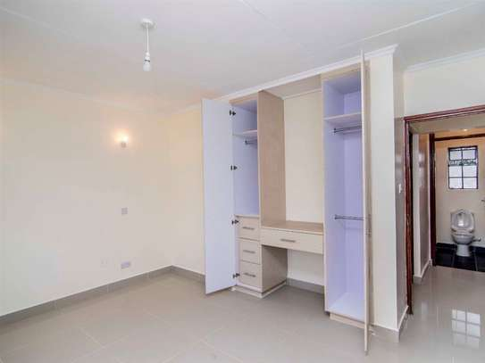 Parklands - Flat & Apartment image 6