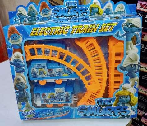Unique kids train image 1