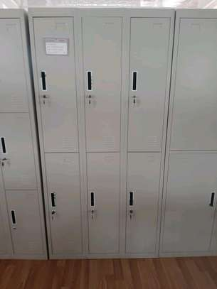 Locker cabinet image 1