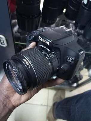 Professional Canon 2000D image 1
