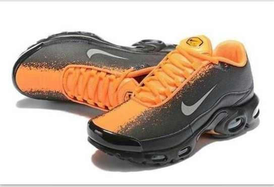 Nike shoes image 2