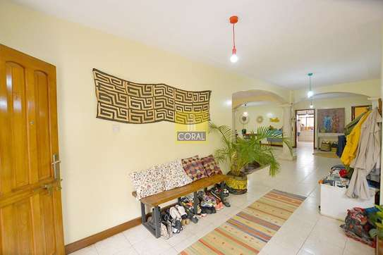 4 bedroom house for rent in Spring Valley image 2