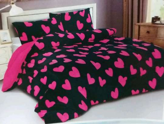 Woolen duvet with two pillow cases image 3