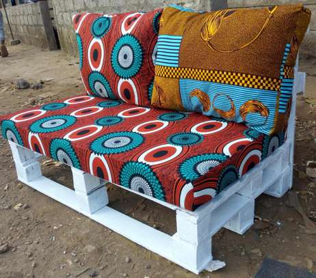 BEAUTIFUL 2 SEATER PALLET SOFA WITH KITENGE FABRIC