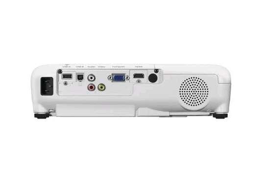 Epson EB-X41 3LCD, 3600 Lumens, 300 Inch Display, XGA Projector - White image 3