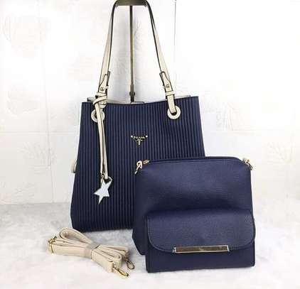 elegant 3 in one handbag