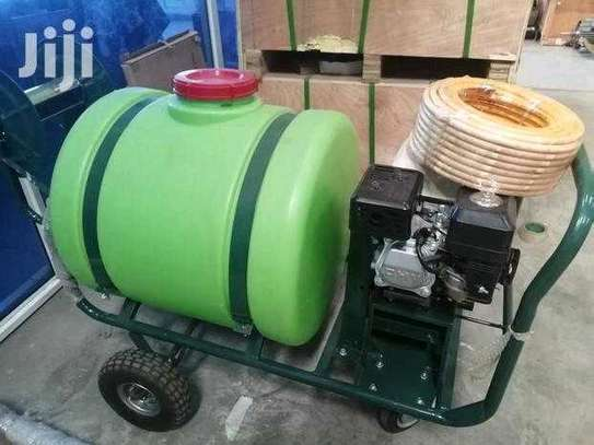 Brand new 160litre agricultural sprayer. image 1