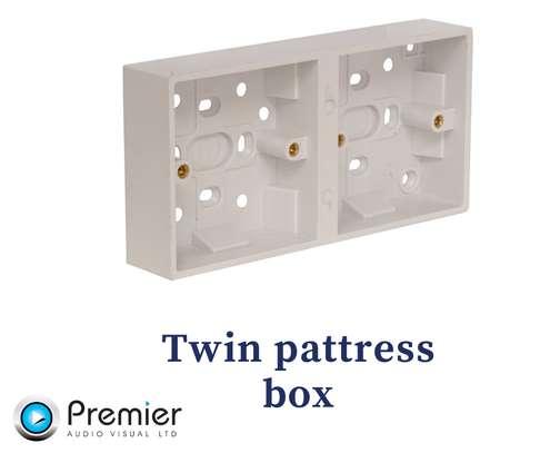 Twin Pattress Box With 270pcs image 1