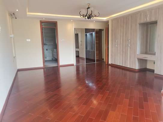 Magnificent 5 bedroom townhouse all ensuite with dsq for rent lavington area image 12
