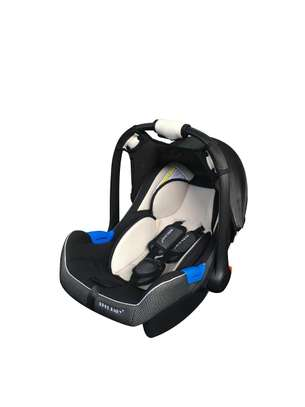 Baby Carrycot/Carseat image 6