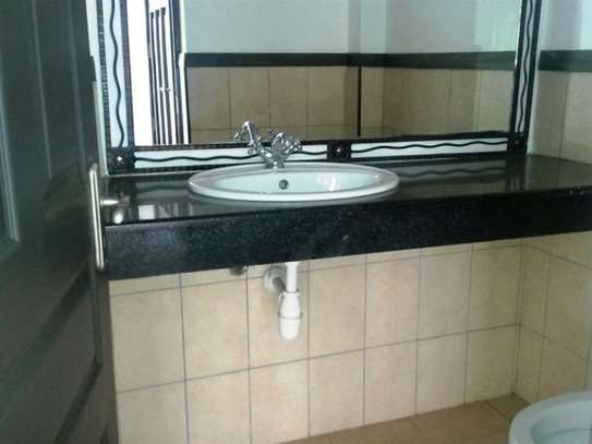 Westlands Area - Flat & Apartment image 15