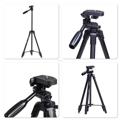 YunTeng VCT-5208 Tripod with Bluetooth Remote Control Shutter image 1