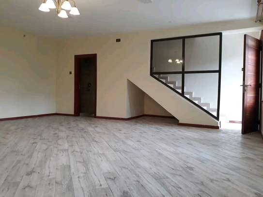 Town house for let image 3