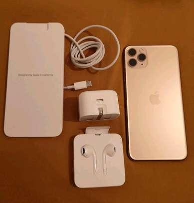 An Apple Iphone 11 Pro Max  [ 512  Gigabytes Gold ] image 2