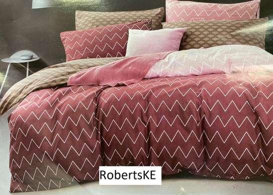 zigzag maroon print duvet 6*6 image 1
