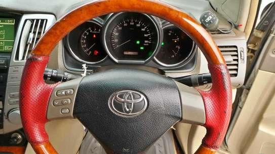 Toyota Harrier image 8