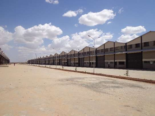 8000 ft² warehouse for rent in Athi River Area image 1