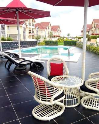 5 bedrooms executive townhouse to let image 9