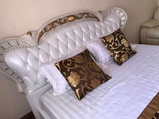 Queen Elizabeth Elegant Leather White Bed image 4